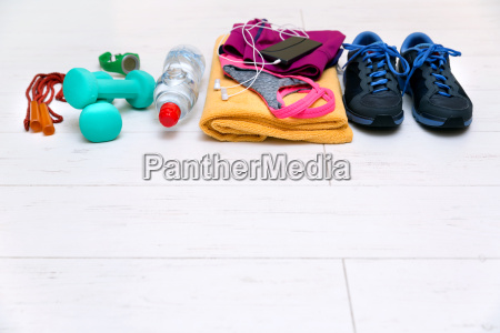 fitness, workout, equipment, on, gym, floor - 19171835