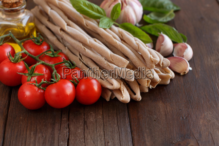 whole wheat pasta vegetables herbs