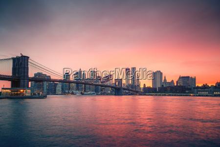 brooklyn, bridge, and, manhattan, at, dusk - 19182151