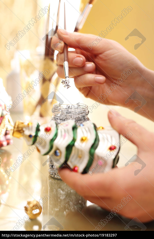 decorating, christmas, baubles., the, woman, paints - 19183297