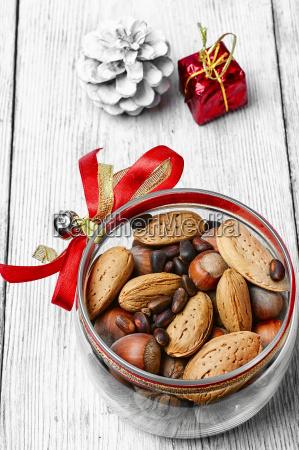 mix, of, hazelnuts - 19203779