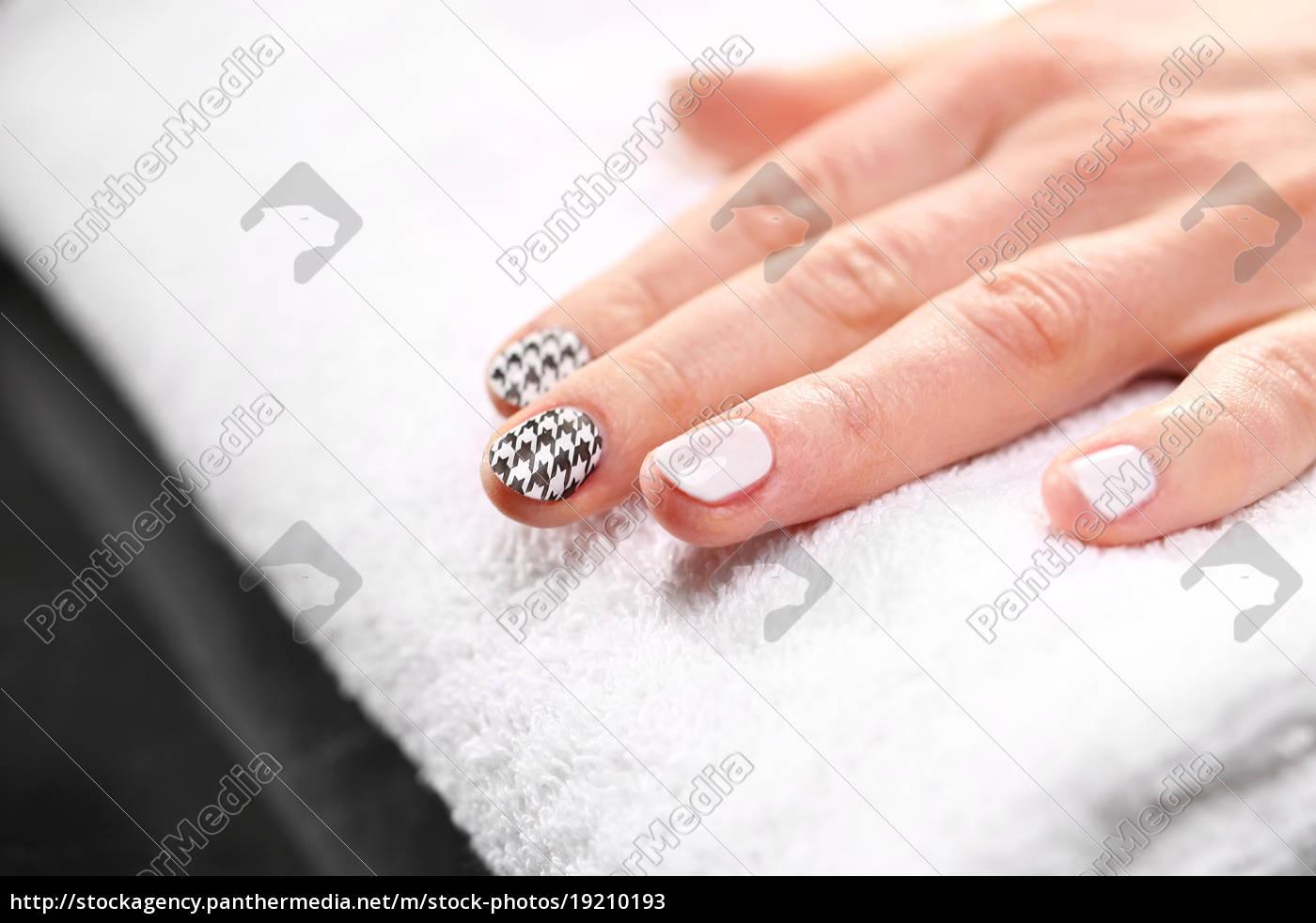 manicure, patterns, on, nails - 19210193