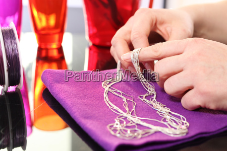 jeweler repair chain