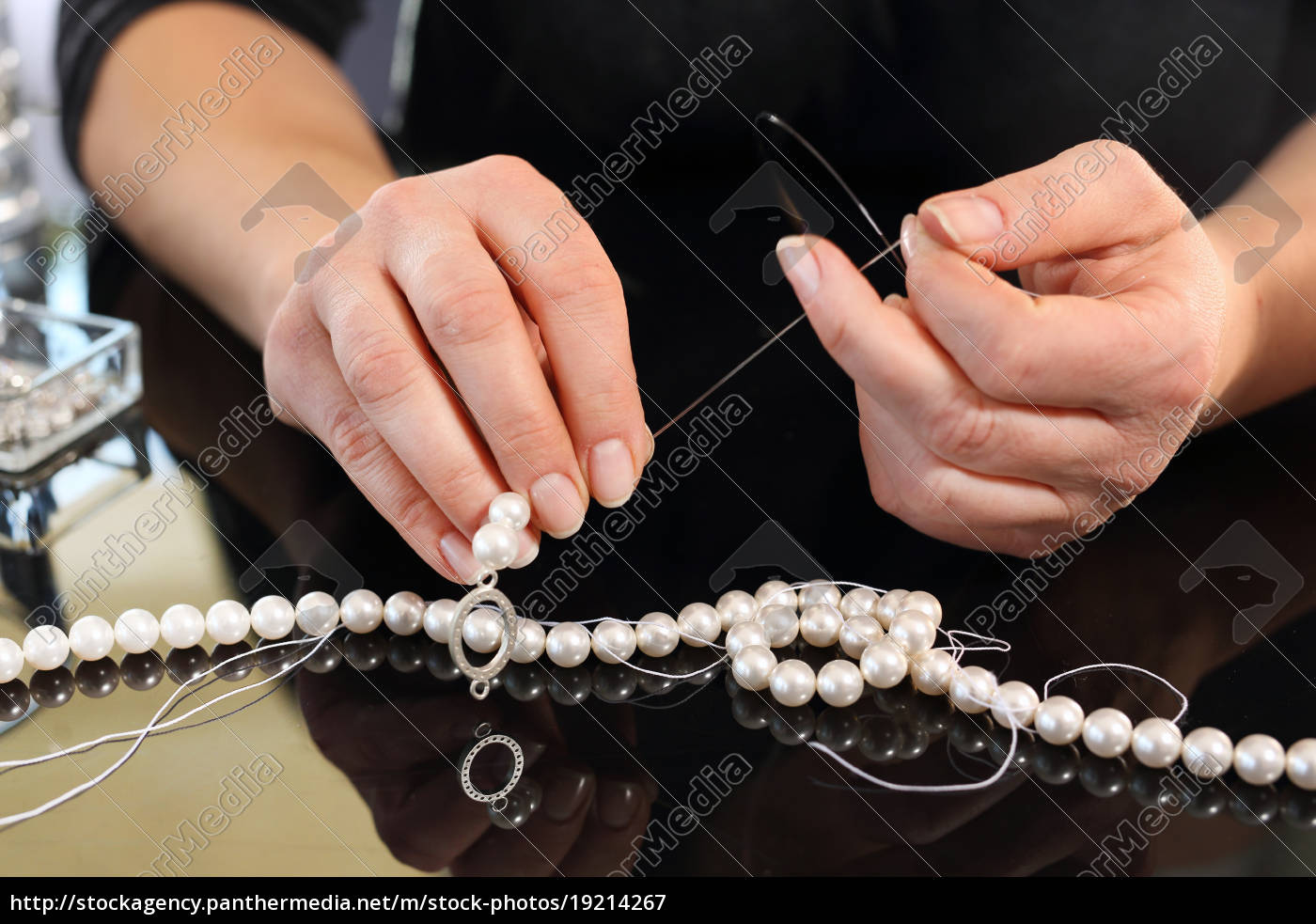 female, threaded, pearl, necklaces - 19214267