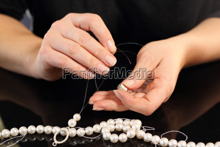 female, threaded, pearl, necklaces - 19214269