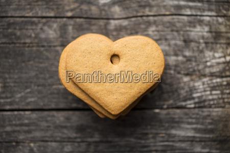 gingerbread shape heart