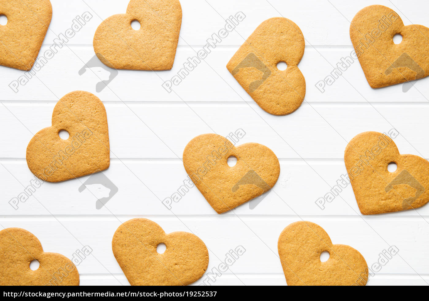 gingerbread, shape, heart. - 19252537
