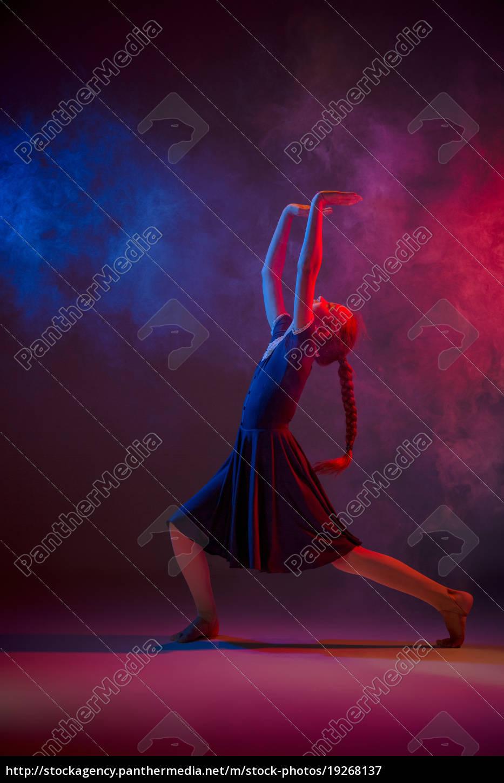 the, teen, modern, ballet, dancer - 19268137