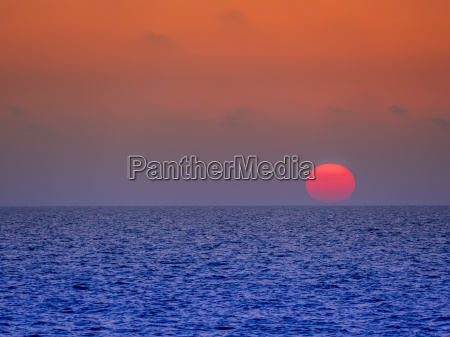 italy capri sunset over the sea