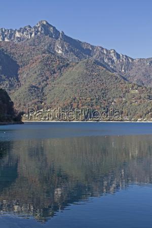 lake ledro in trentino