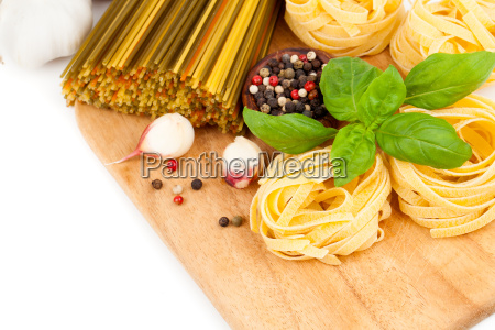 italian pasta with tomatoes and fresh
