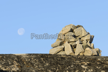 stone monument ilulissay icefjord ilulissat disko