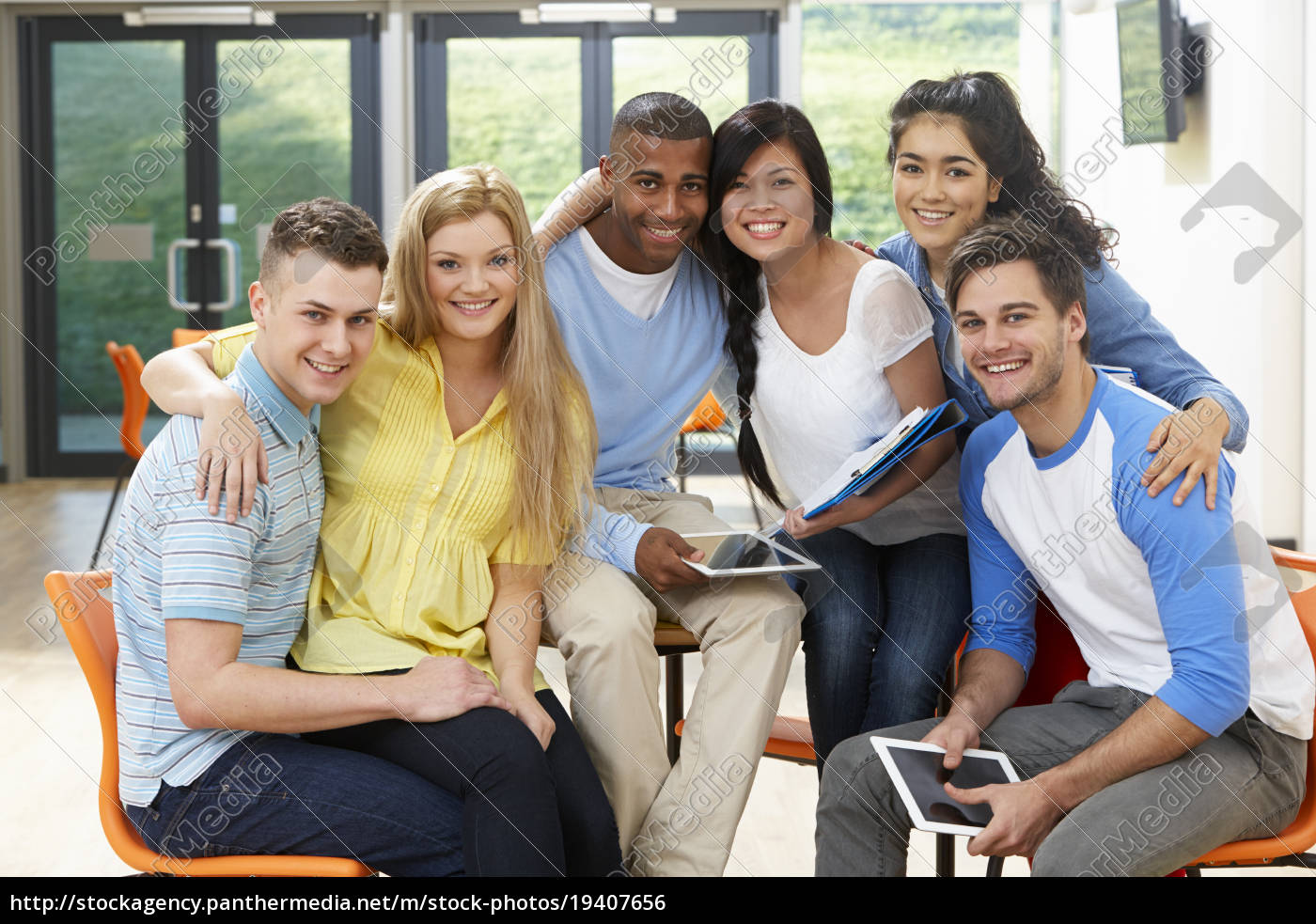 multi-ethnic, group, of, students, in, classroom - 19407656