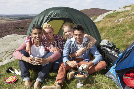 group, of, young, people, on, camping - 19408556