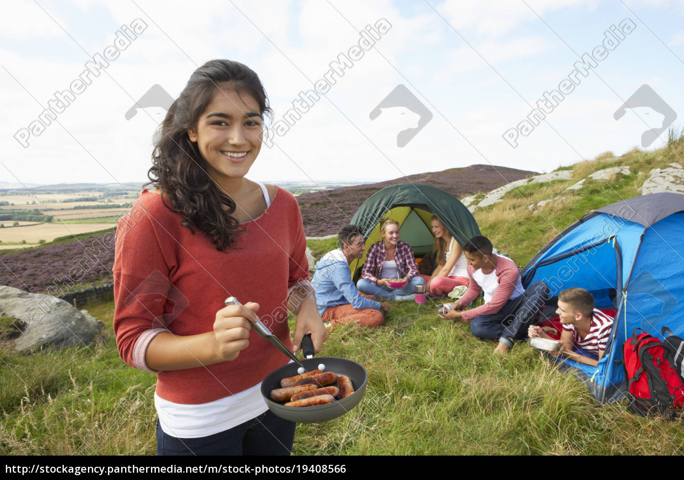 group, of, young, people, on, camping - 19408566