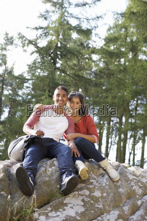young, couple, hiking, through, countryside - 19408678