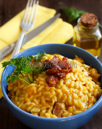 risotto, with, a, pumpkin, and, bacon - 19410866