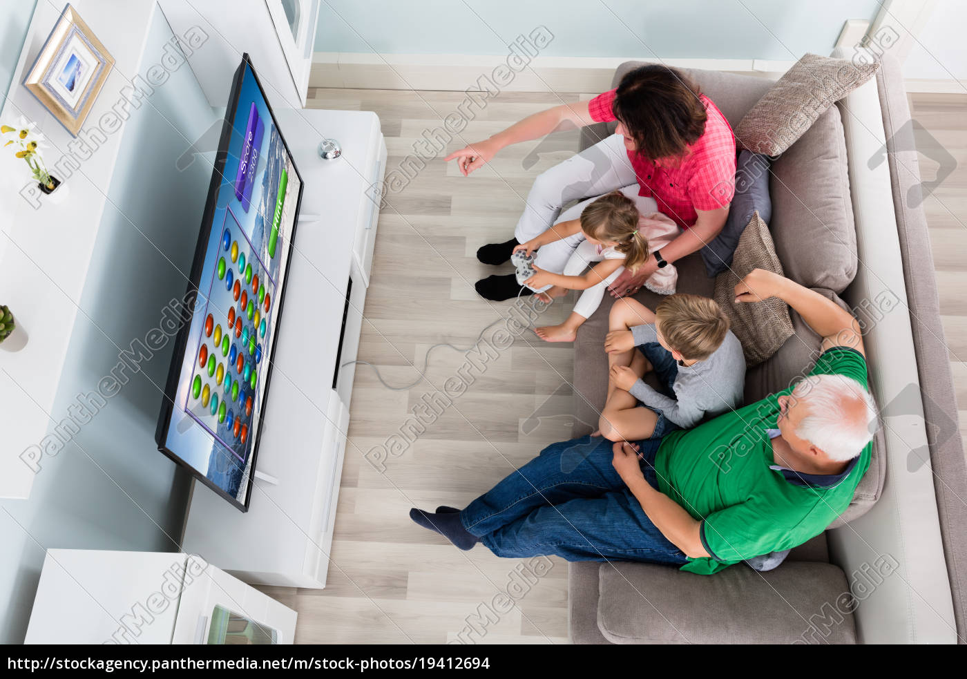 multi, generation, family, playing, videogame, at - 19412694