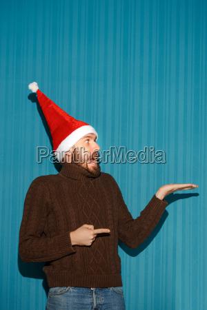 surprised, christmas, man, wearing, a, santa - 19412740