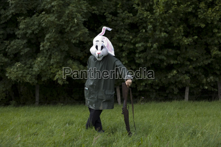 white rabbit hunter