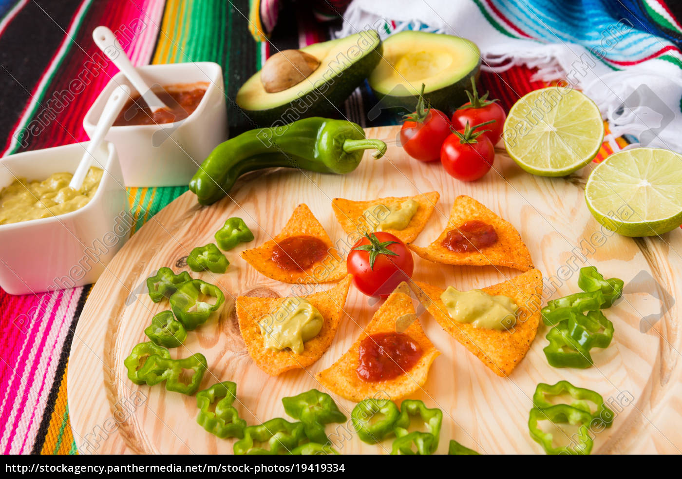 nachos, chips, and, vegetables, on, a - 19419334