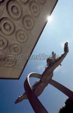 statue of cosmonaut alexey leonov star