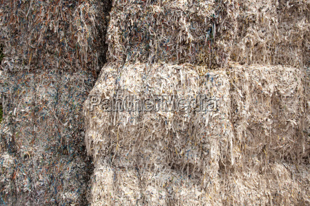 paper pulp for recycling