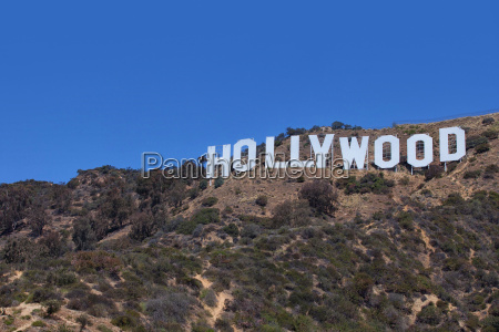 hollywood sign on mount lee in