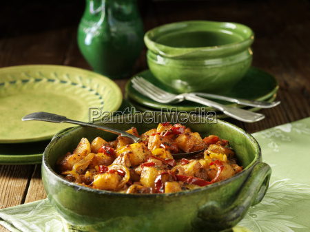 mediterranean potatoes with peppers and spices