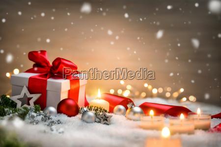 jule baggrund med gave og rodt
