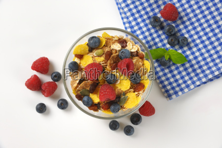 bowl, of, breakfast, cereals, and, fresh - 20117165