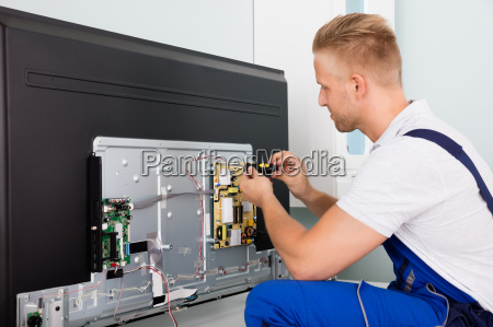 electrician, checking, television - 20117823