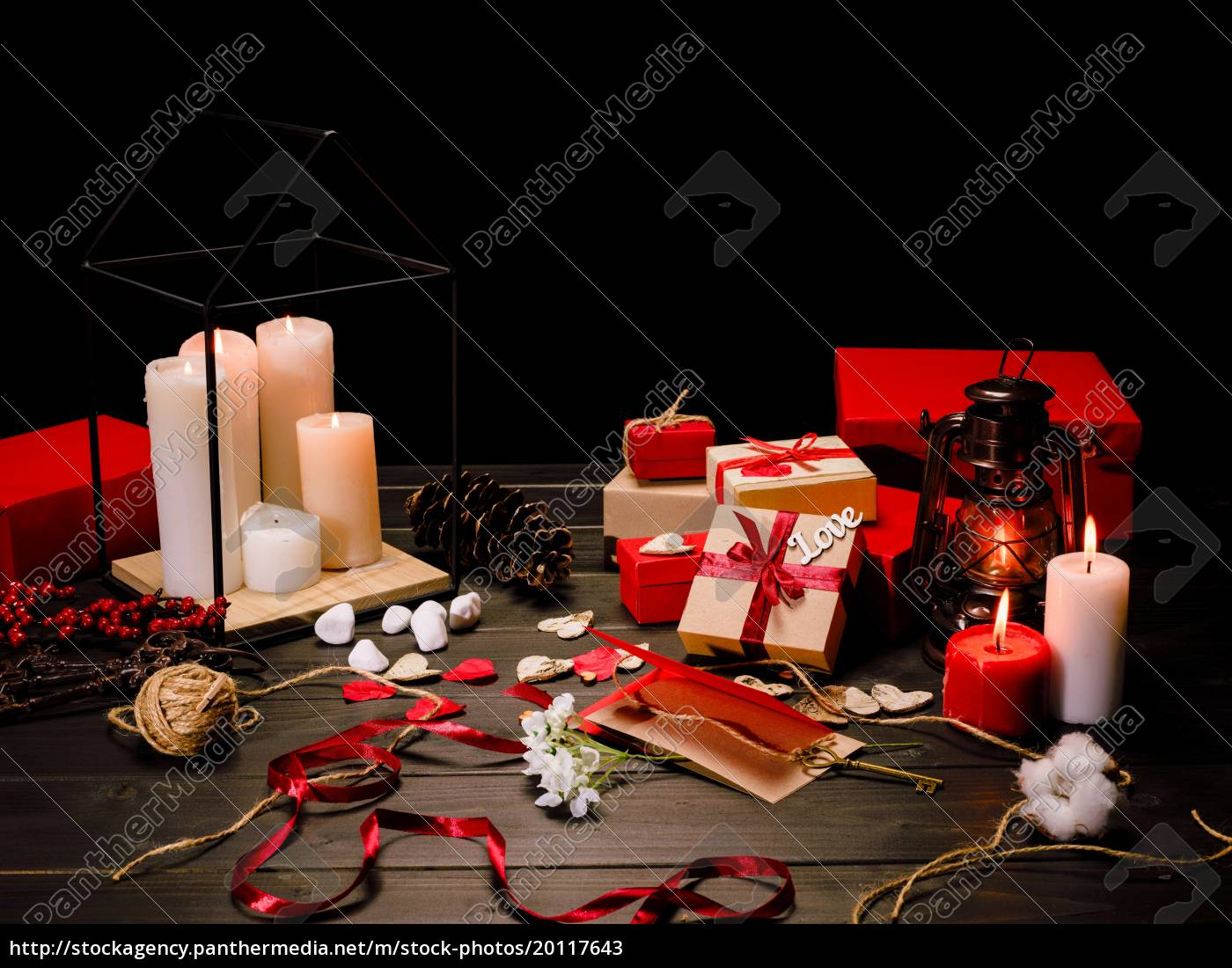 gift, boxes, and, candles - 20117643