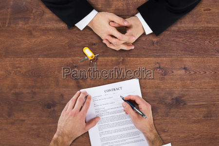 businessman, filling, contract, form - 20118997