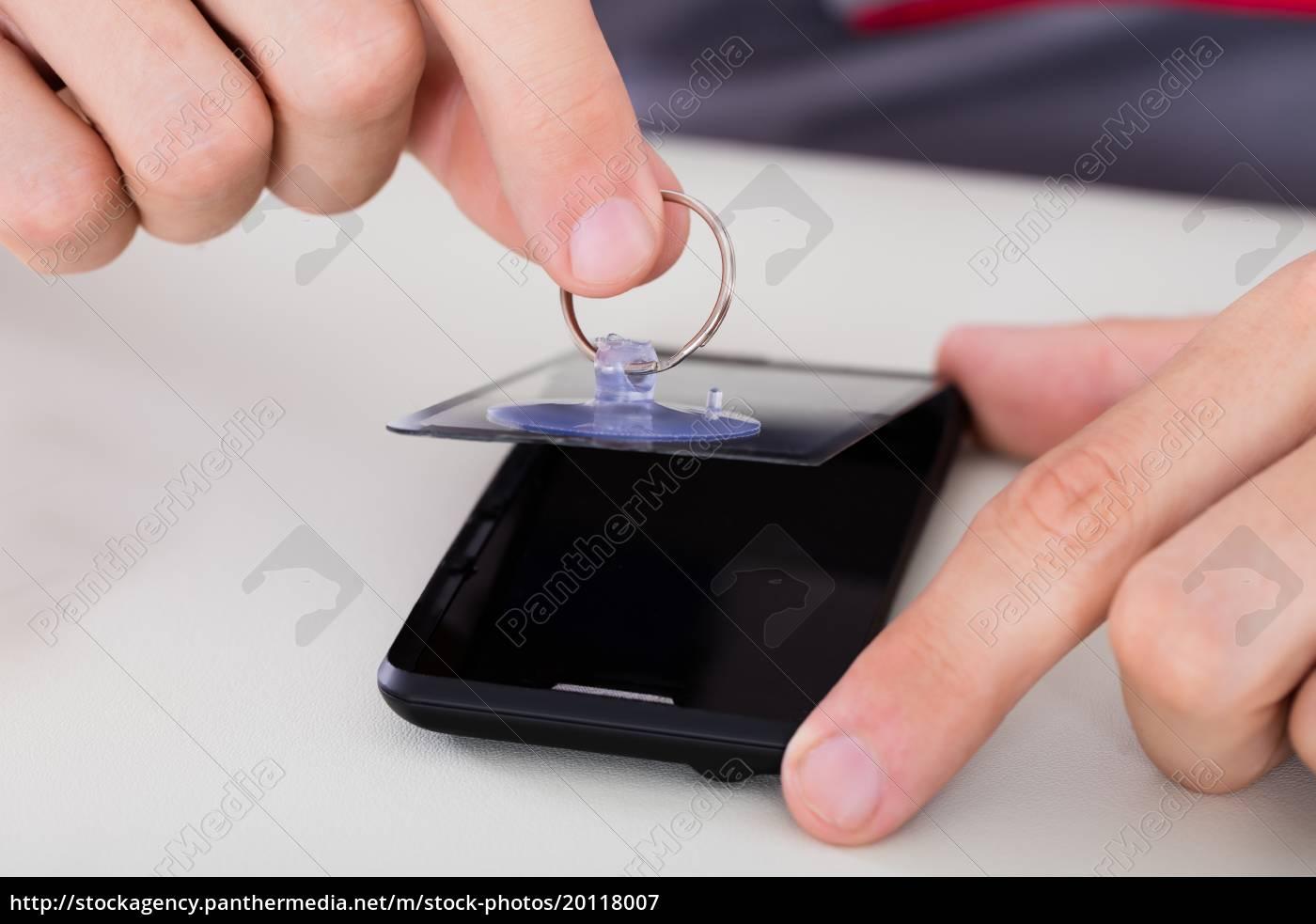 person, repairing, mobile, phone - 20118007