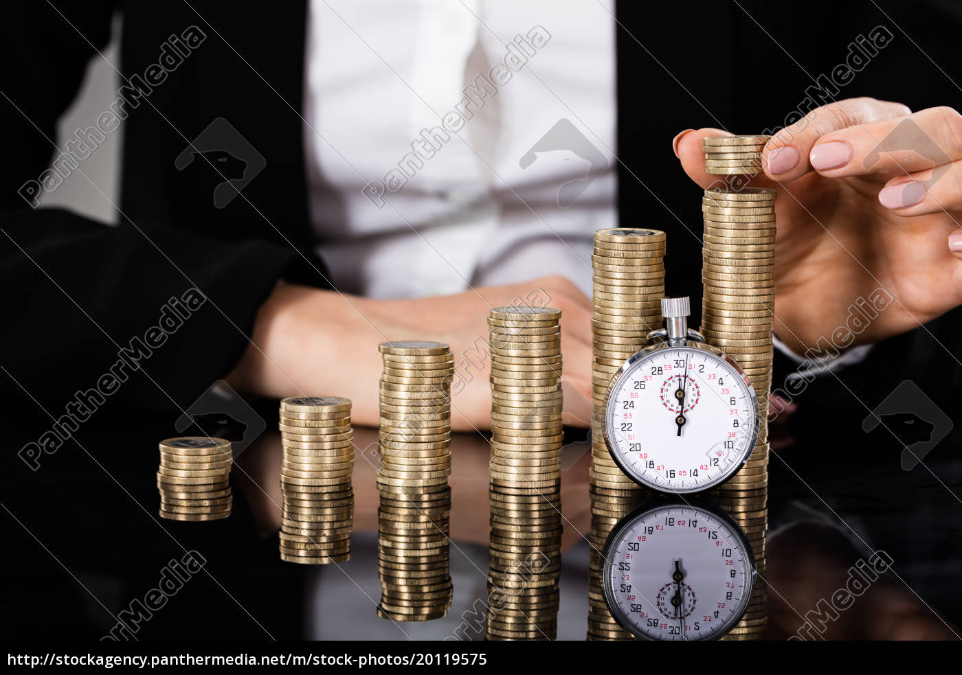 saving, money, concept, with, stopwatch - 20119575