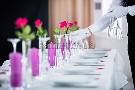 waiter, setting, wedding, table - 20119067