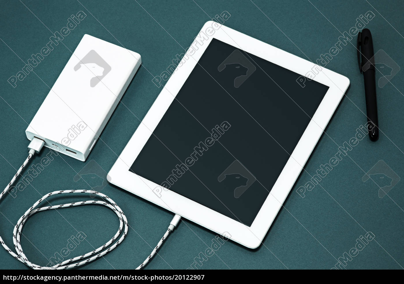 power, bank, and, laptop - 20122907
