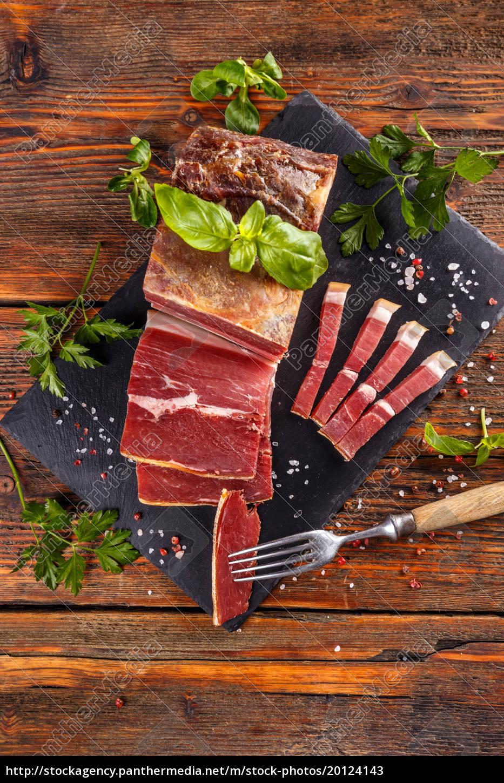 prosciutto, sliced, on, black, slate - 20124143