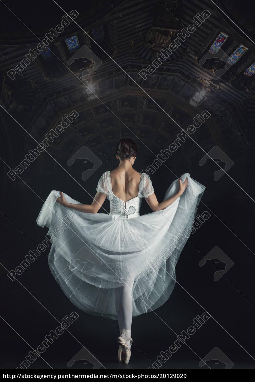 portrait, of, the, classical, ballerina, in - 20129029