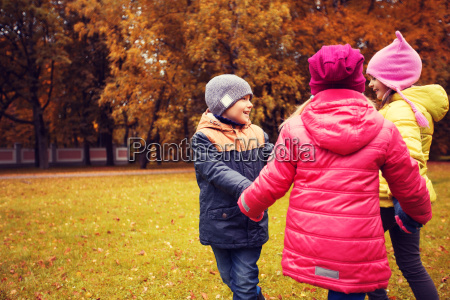 children, holding, hands, and, playing, in - 20151581