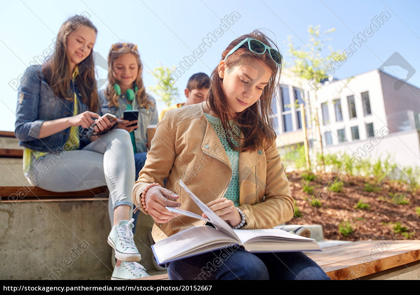 high, school, student, girl, reading, book - 20152667