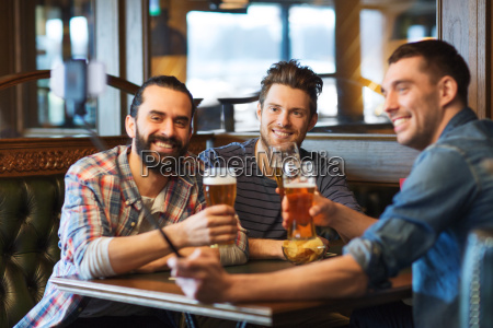 friends, taking, selfie, and, drinking, beer - 20170763