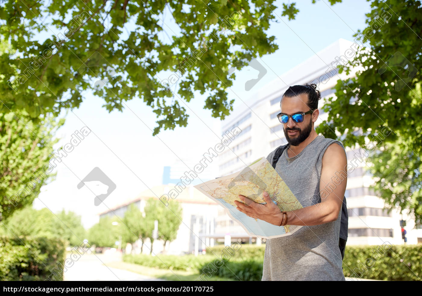 man, traveling, with, backpack, and, map - 20170725