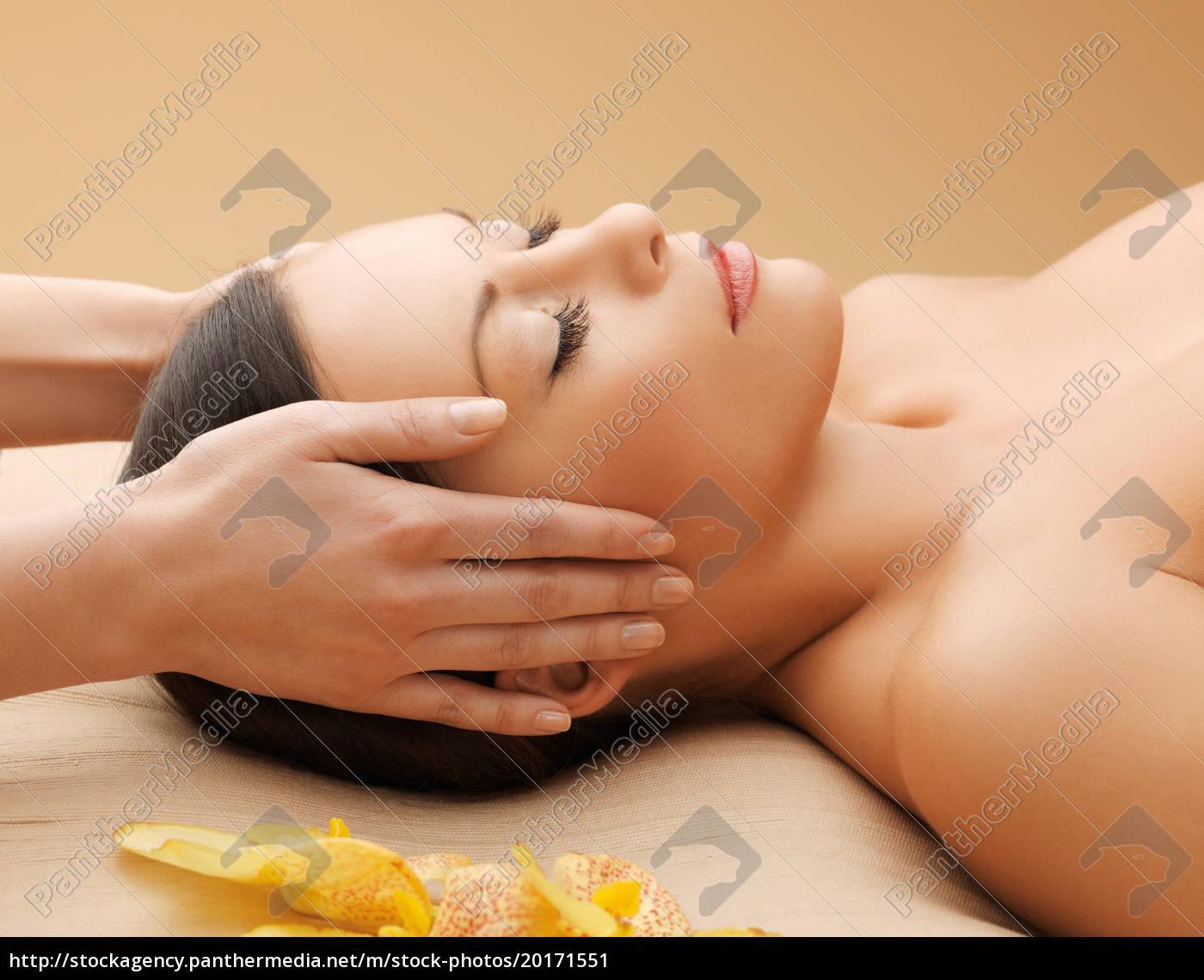 beautiful, woman, in, massage, salon - 20171551