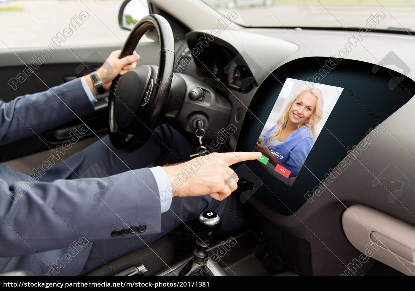 close, up, of, man, driving, car - 20171381