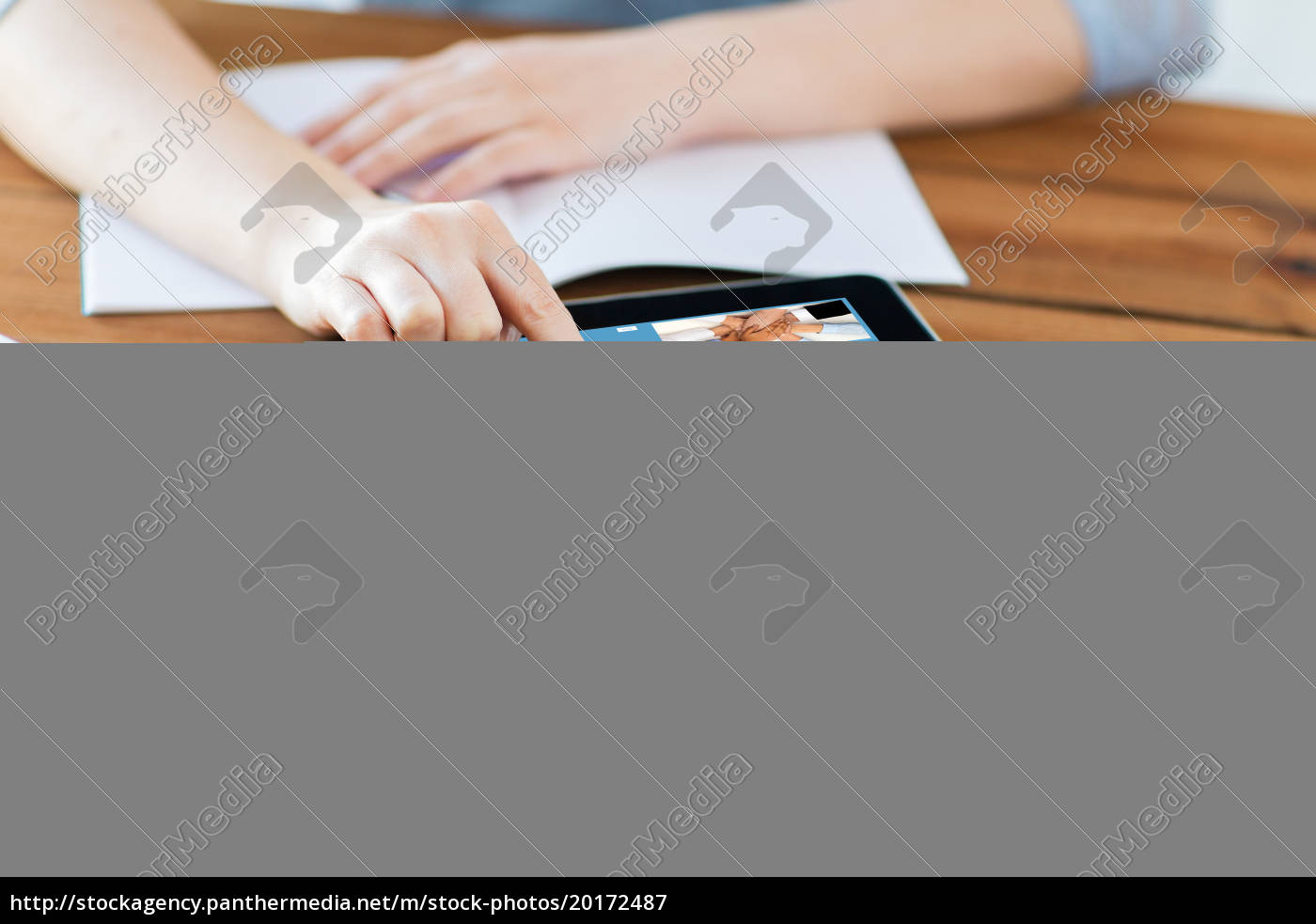 close, up, of, student, with, tablet - 20172487