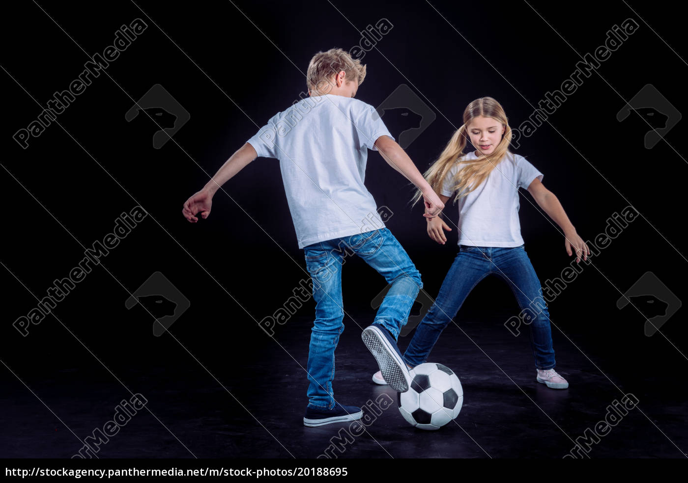 brother, and, sister, playing, with, soccer - 20188695