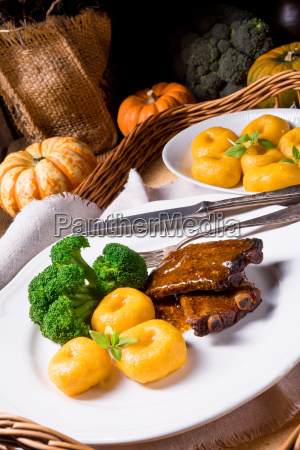 dumplings, with, pumpkin, puree, and, grilled - 20230401