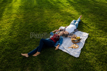 enjoying the day with a picnic